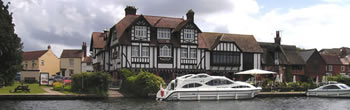 Horning, a recommended stop on your Norfolk Broads boating holiday